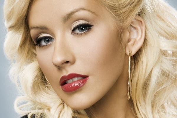 Christina Aguilera publica foto en el estudio de grabación