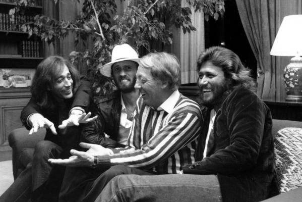 Falleció Robert Stigwood, mánager de Bee Gees y productor de «Grease»