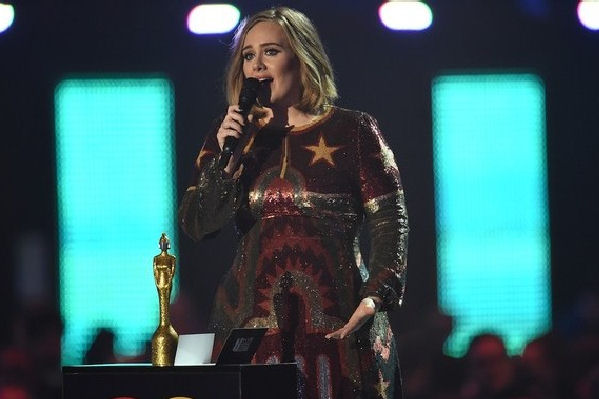 Adele fue la gran ganadora en la noche de los Brit Awards