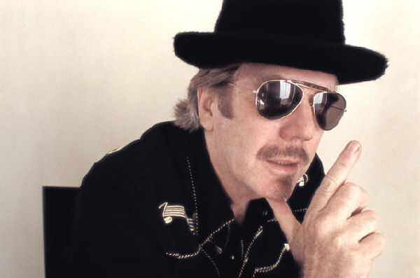 A los 74 años falleció Dan Hicks, fundador de Hot Licks
