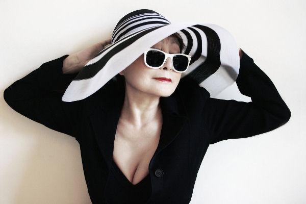 Yoko Ono fue internada por «deshidratación y agotamiento»