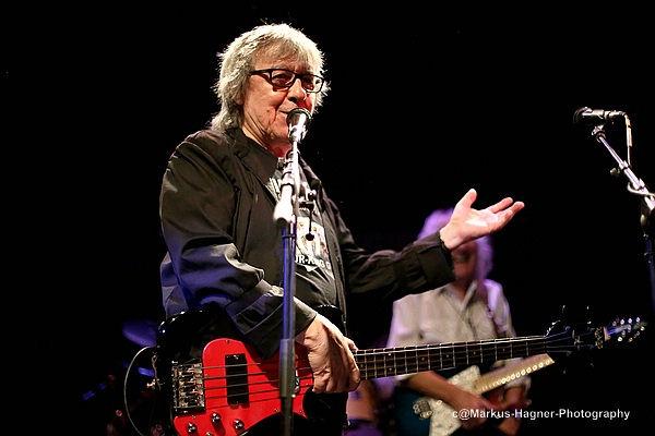 Bill Wyman, ex bajista de los Rolling Stones, tiene cáncer