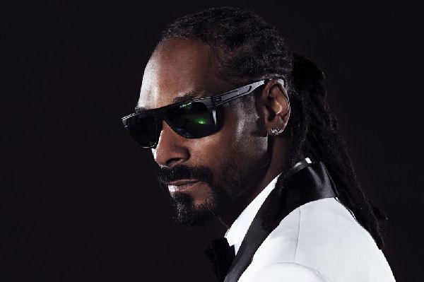 Snoop Dogg escribe mal Bogotá y llama la atención de un pueblito rumano