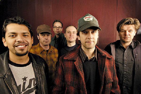 La banda estadounidense Calexico vuelve a la Argentina