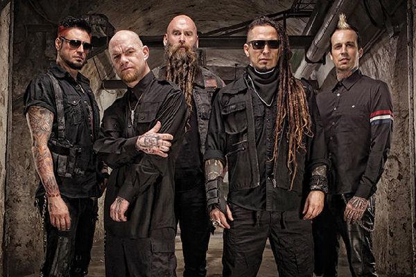La banda de heavy metal Five Finger Death Punch es demandada por su sello discográfico