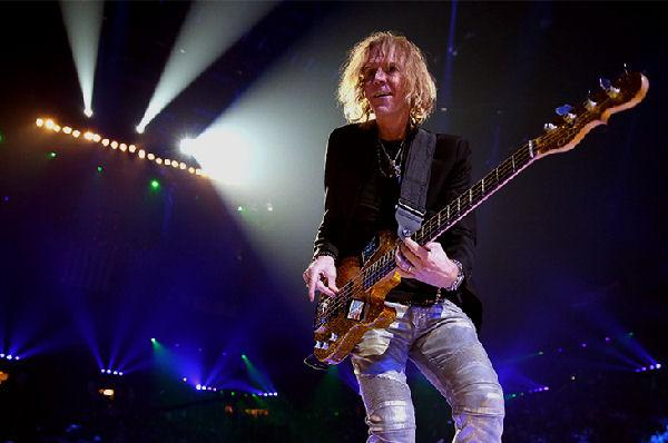 Tom Hamilton, bajista de Aerosmith, saldrá de gira con Thin Lizzy