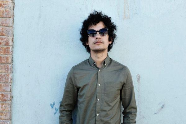 Escuchá «Arcos de Amor», del álbum en español de Omar Rodríguez-López