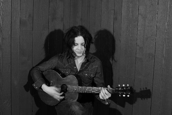 Jack White anuncia nuevo álbum con un inédito de The White Stripes