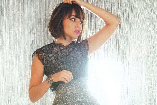 Norah Jones: «En estos días es muy difícil hacer dinero tocando música»