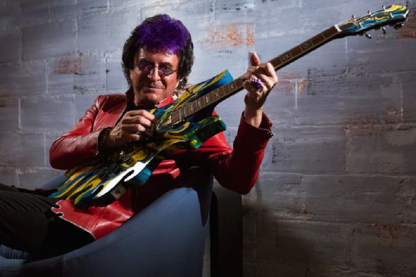 Jim Peterik, fundador de Survivor, repasa sus canciones en «The Songs»