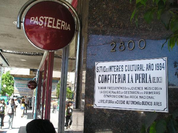 Cierra el mítico bar La Perla de Once, donde se gestó el rock argentino