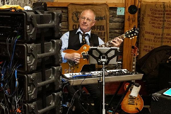 Robert Fripp confirma que King Crimson realizará en 2017 una gira norteamericana