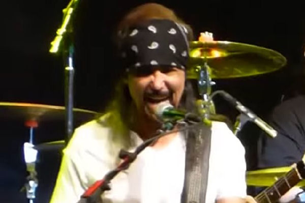 Falleció Joey Alves, guitarrista original de Y&T