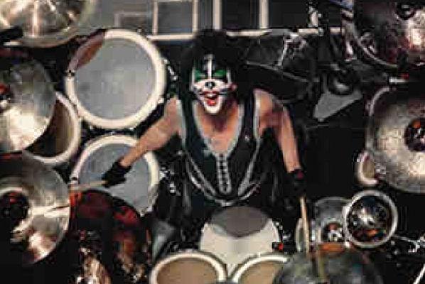 Peter Criss, exbaterista de Kiss, dice que el rock «está muerto»