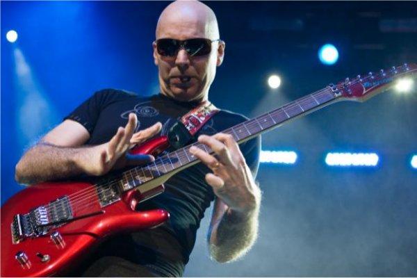 Joe Satriani lanzará en enero su nuevo álbum «What Happens Next»