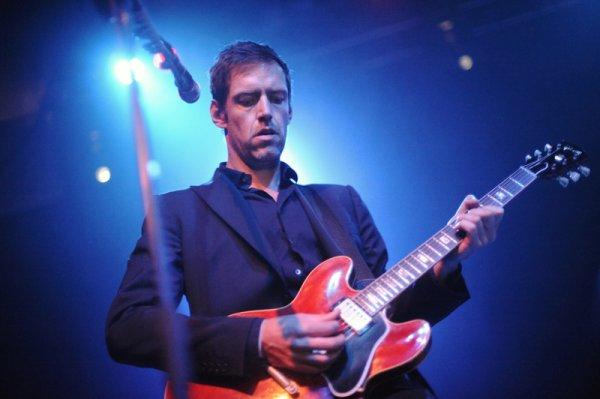 El guitarrista de Radiohead, Ed O'Brien, cree haberse contagiado de coronavirus