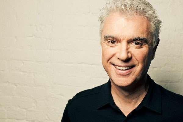 David Byrne se disculpa por no contar con mujeres en su nuevo álbum «American Utopia»