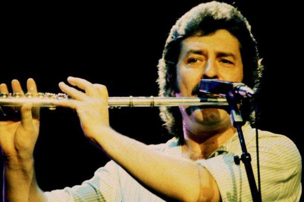 Falleció Ray Thomas, multiinstrumentista de Moody Blues