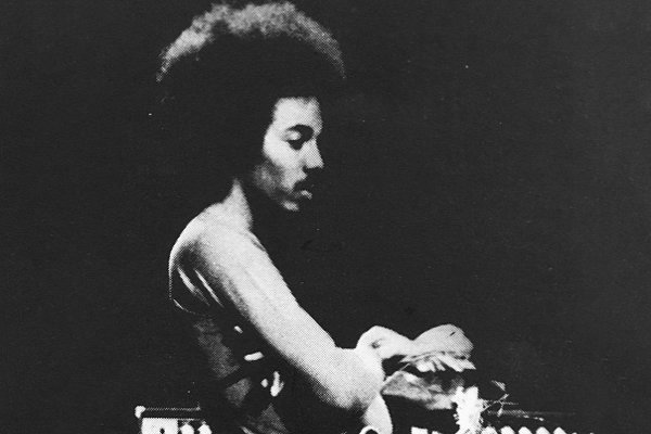 Falleció a los 65 años Reggie Lucas, productor de Madonna y músico de Miles Davis