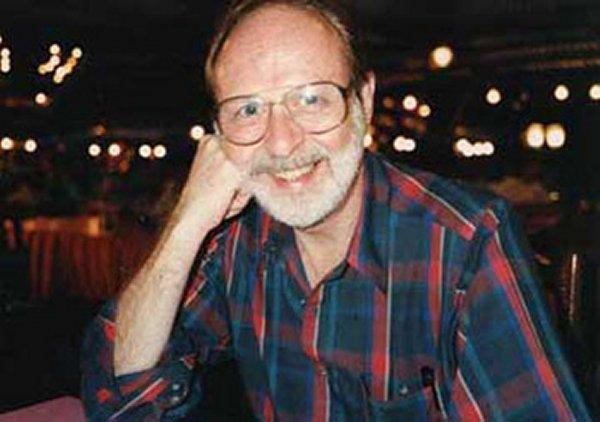 Falleció el biógrafo de rock Jerry Hopkins