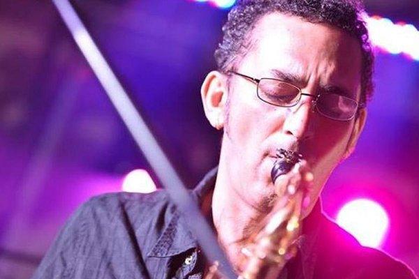 Juanchi Baleiron recordó a Horacio Avendaño, el saxofonista de Los Pericos fallecido hace cinco años