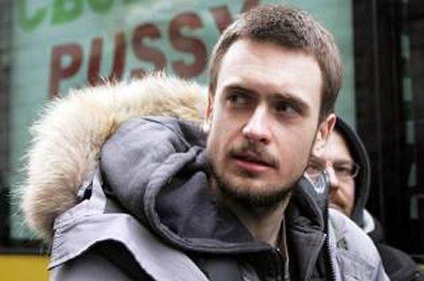 Un integrante de Pussy Riot está hospitalizado en Moscú y se sospecha que fue envenenado