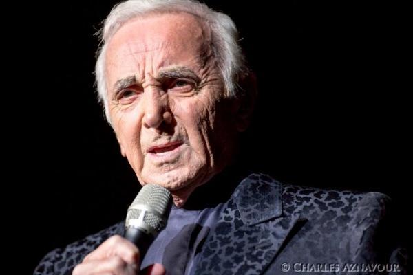 Falleció a los 94 años el emblemático cantante francés Charles Aznavour