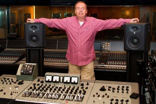 Murió Geoff Emerick, el legendario ingeniero de grabación de The Beatles