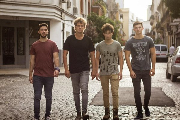 Parientes anticipa su tercer álbum con el single «Contratiempos»