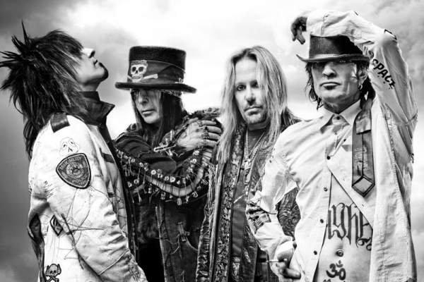Mötley Crüe rompe el contrato que le impedía salir de gira y vuelve a los escenarios