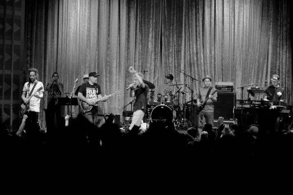 Los Cafres finalizaron con éxito el primer tramo de su gira «3Décadas», recorriendo 12 ciudades de los Estados Unidos