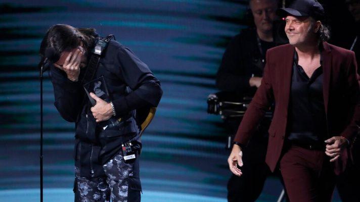 Lars Ulrich sorprendió a Juanes, el homenaje a Soda Stereo, el reclamo de Mon Laferte y los premios de Andrés Calamaro: lo más destacados del Latin Grammy
