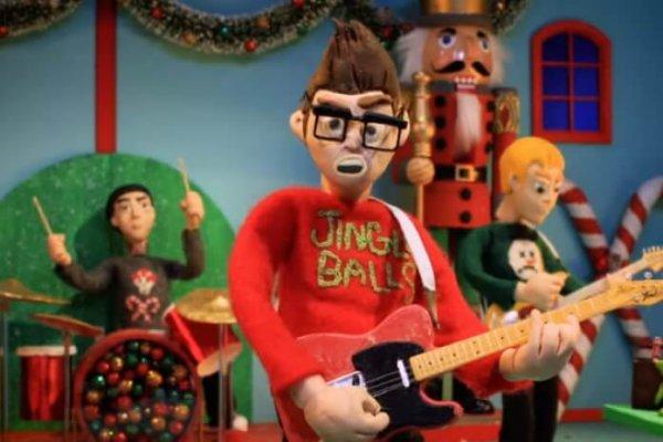 Blink-182 se anticipa a la Navidad con «Not Another Christmas Song»