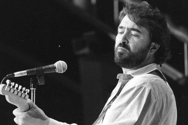 Murió en un accidente de tránsito el cantante y actor español Patxi Andión