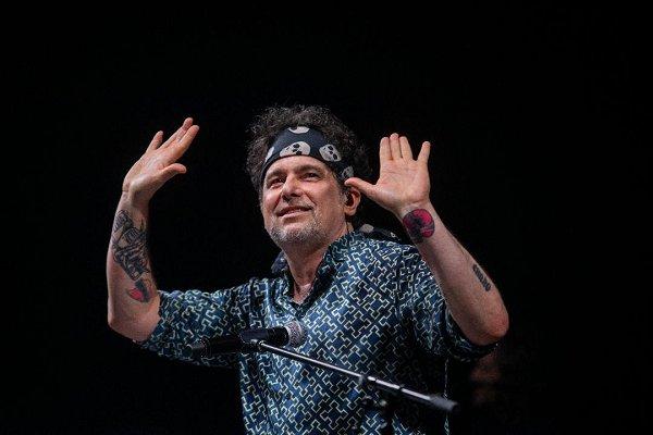 Tras opinar que Queen es «un grupo inflado», Calamaro anuncia que grabará con Brian May