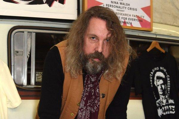 Murió Andrew Weatherall, reconocido DJ y productor de Primal Scream