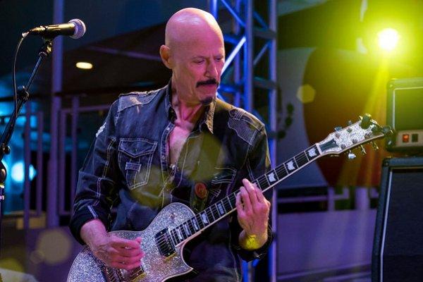 Falleció el guitarrista estadounidense Bob Kulick