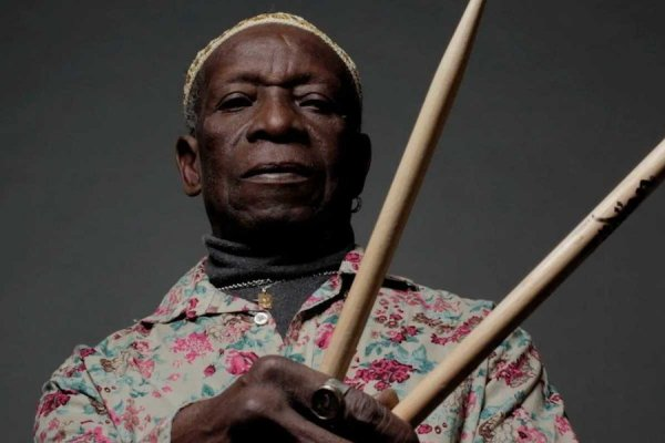 Murió a los 79 años el destacado baterista Tony Allen, figura central del afrobeat