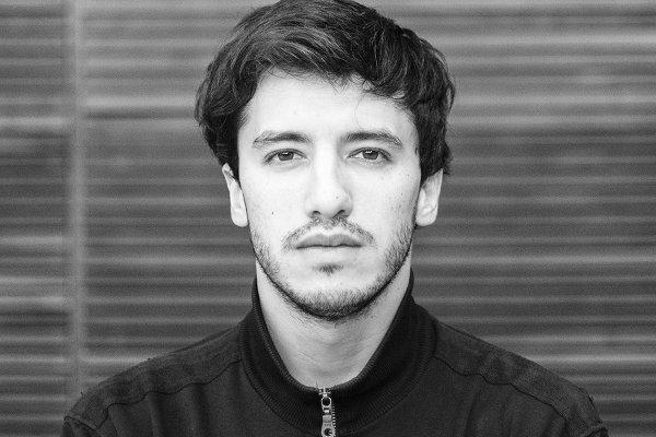 """Marco Viera, de Peces Raros, refleja su costado más íntimo en """"Olas de Vapor"""""""