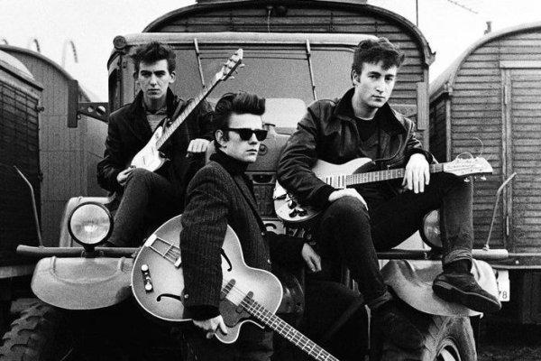 Paul McCartney recuerda a Stuart Sutcliffe, el primer bajista de The Beatles, muerto antes de alcanzar la fama