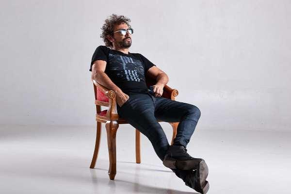 Alejandro Desilvestre: «Una canción no puede cambiar la realidad, pero puede unir sentimientos»