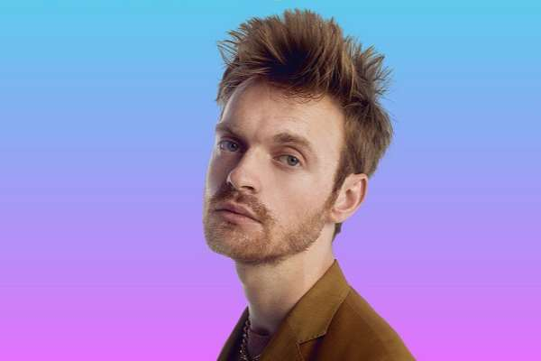 FINNEAS compartió la emotiva balada «What They'll Say About Us»
