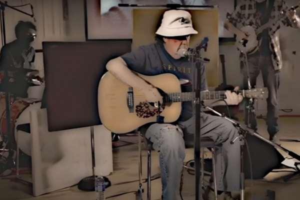 A los 78 años, el hermano mayor de Neil Young lanza su primera canción