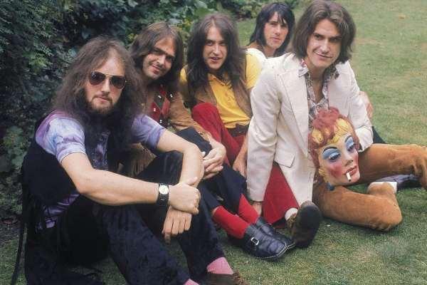50 años después, The Kinks reedita su disco «Lola Versus Powerman and The Moneygoround, Part One»