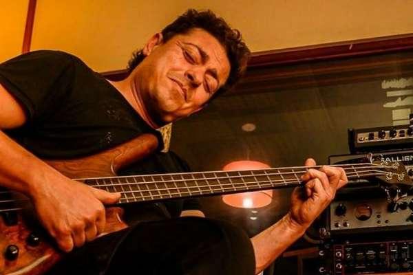 Falleció el músico nicoleño Adrián Cionco, bajista de La Mosca