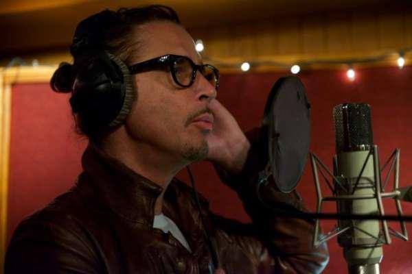 Se lanza en formato físico «No One Sings Like You Anymore», el disco póstumo de Chris Cornell