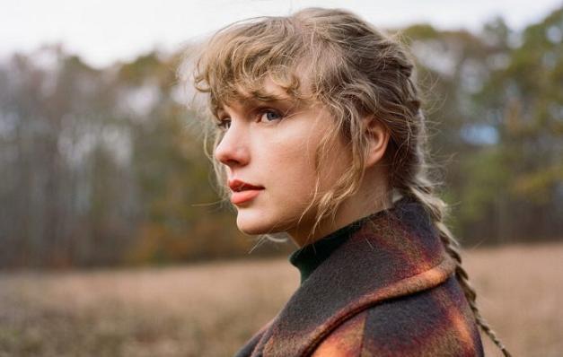 Taylor Swift lanzó su álbum «Fearless (Taylor's Version)»