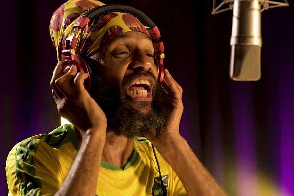 Fidel Nadal compartió una nueva versión de «Te Robaste Mi Corazón» con Los Caligaris