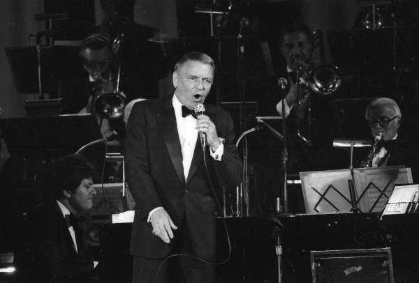 Hace 40 años se cumplía el postergado sueño de ver a Sinatra en la Argentina