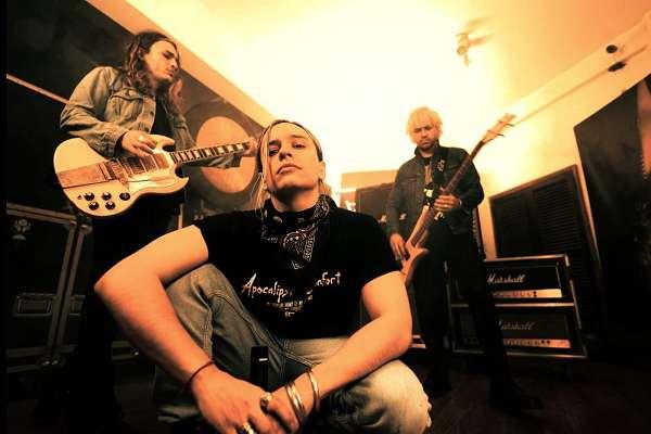 Airbag presenta el single y video «Intoxicarme»